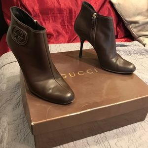 """Gucci leather booties with """"GG"""" logo"""